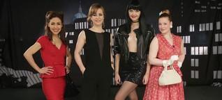 """Promi Shopping Queen Berlin mit Anastasia Zampounidis, Bonnie Strange, Bettina Cramer und Enie van de Meiklokjes zum """"Sexy Dekolleté"""""""