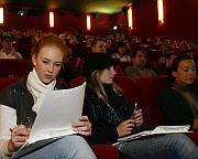 Kino statt Hörsaal: Studenten lauschen Vorlesung im Plüschsessel - SPIEGEL ONLINE