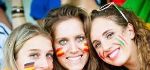 Weltmeisterschaft 2014: Männer lieben Frauen im Fußball-Fieber
