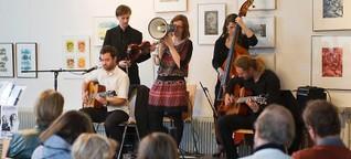 """Frische Klänge von Gipsy-Swing-Quintett """"Antiquariat"""""""
