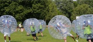 Bubble-Football: Hals über Kopf ins Tor