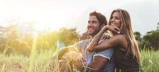 Pärchen, Single, Polyamorie - Was bedeuten Beziehungen wirklich?