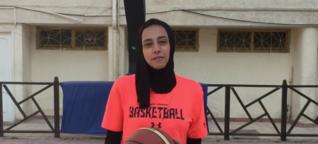 So kämpfte diese 20-Jährige darum, mit Hidschab Basketball spielen zu dürfen