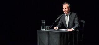 Solidaritätsaktion: Jan Böhmermann liest Briefe von Deniz Yücel