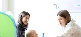 """""""Familie wie jede andere auch"""": Zu Besuch im Regenbogenfamilienzentrum"""