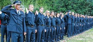 Mehr Polizeischüler vereidigt als jemals zuvor im Land