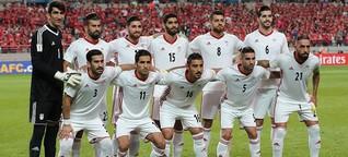 Der Iran liebt den Fußball, doch die Politik mischt sich ein