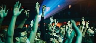 Tausende Hipster für ein Halleluja