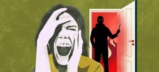 Horrormitbewohner: Der Künstler und seine drei Schlangen