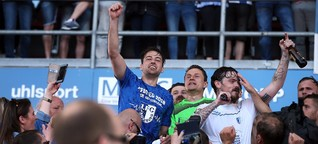 Magdeburgs Aufstieg in die Zweite Liga: Wilde Hüpfer - SPIEGEL ONLINE - Sport