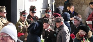 Die Waffen-SS marschiert durch Riga - und niemanden stört es