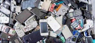Studenten der Ruhr-Universität sammeln Handys zum Recyceln