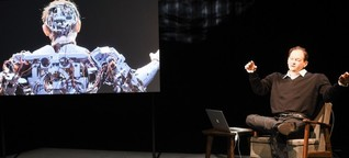 """""""Uncanny Valley"""" an den Münchner Kammerspielen - Der Schriftsteller als Roboter"""
