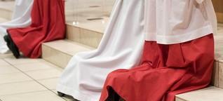 Hier erzählt ein Ex-Ministrant, wie er Penis-Fotos bei seinem Priester fand