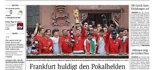 Frankfurt huldigt den Pokalhelden