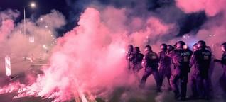 Heidenau: Rechte greifen Polizei an, Polizei verprügelt Linke - was sonst?