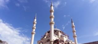 Religiöse Toleranz und Bauboom in Tirana