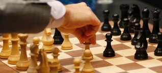 Computer bringt sich selbst Schach bei - und schlägt den Menschen
