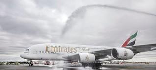 Der Neue am Flughafen Hamburg: Willkommen, Super-Flieger! Hier wird der A380 geduscht