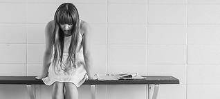 Lieber nichts sagen als was Falsches? Ein Feature zum Umgang mit Trauernden