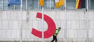 """""""Was heißt da christlich?"""" - Greenpeace stiehlt Buchstabe von CDU-Logo in Parteizentrale"""