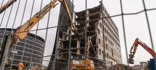 City-Hof: Abriss mit Spezialbagger