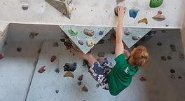 Bouldern: Therapeutisches Klettern gegen Schmerz und Depression | Detektor.fm
