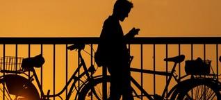 Mobilfunkverträge für Flüchtlinge: Teure Schuldenfalle
