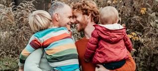 Homosexuelles Paar im Interview: Ein Gespräch über Regenbogenfamilien