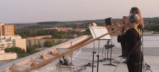 Plattenbauten als Kulisse - mit Alphörnern aufs Dach | DW | 18.09.2020