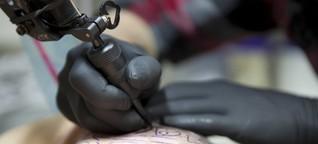 Tattoos: Weniger Farben für die Gesundheit?