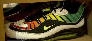 Sneaker-Sammlung mit 150 Paar Schuhen