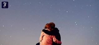 Was uns Horoskope sagen: Versessen auf Sternzeichen