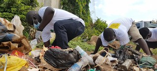 South Sudan's youth collect trash to protest civil war   DW   26.10.2018