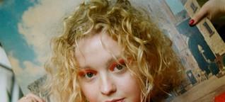 """""""Ich mag keine Schubladen"""": Taucht ein in die schillernde Welt von Newcomerin Millie Turner"""