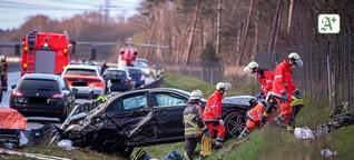 Tödlicher Glätteunfall: Ersthelfer auf der A7 von Auto erfasst