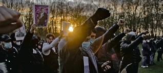 Trauerfeier nach dem Tod von Qosay K.: Ruf nach Gerechtigkeit