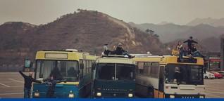 Auf Weltreise mit dem alten Reisebus