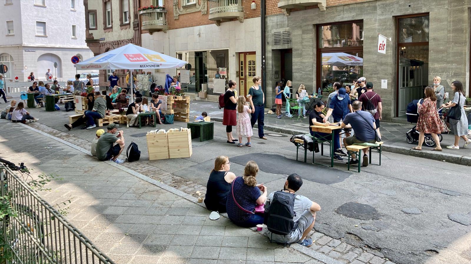Fotostrecken: Hofflohmärkte und Aktionstag zur Aufenthaltsqualität im öffentlichen Raum