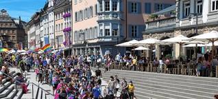 So bunt ist Konstanz: 700 Menschen demonstrieren am Christopher Street Day in der Innenstadt